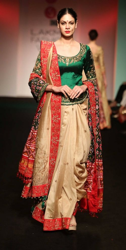 Saroj Jalan at Lakme Fashion Week - AW16 - Look 9