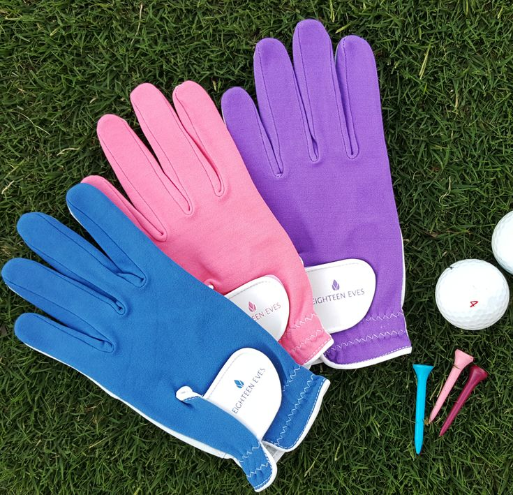Love colour but prefer it in block. Than our block coloured gloves may tickle your fancy. Like a second skin they have soft leather palm and stretchy lycra top for extra comfort. That's a win in our books. Style, function and comfort. What's your colour pick?