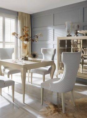 Stół Klo, krzesła Queen, komoda Luna 3D
