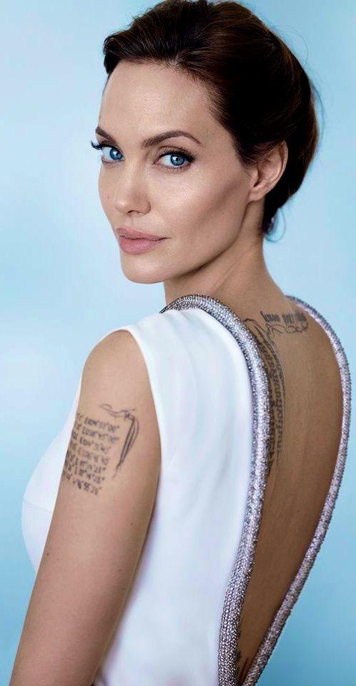 ➳ c a l l  m e  f a m o u s {Ok, you are indeed famous!}  Angelina Jolie