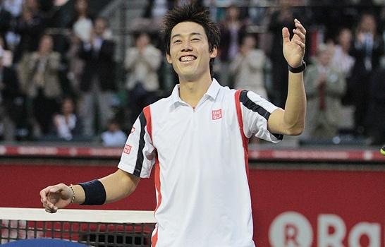 男子テニスツアーの楽天ジャパン・オープン(日本/東京、ハード)は7日、シングルス決勝が行われ、第8シードの錦織圭(日本)が第6シードのM・ラオニチ(カナダ)に7-6 (7-5), 3-6, 6-0のフルセットで勝利、今大会初優勝すると同時にツアー2勝目を飾った。