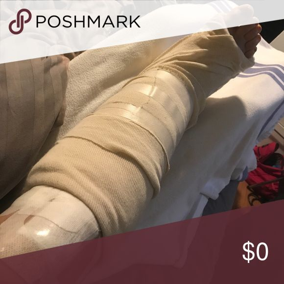 Please make offers! I'm a full time nursing student in the second year of the program. I fell almost 2 weeks ago and broke my tibia, fibula, and ankle. I had to have surgery and I have to sell my Louie stuff! I enjoy offers and countering back and forth. Let me know if you want a bundle of clothes or accessories, I'll discount it. I'm not offering a bundle discount on my Louis Vuitton items. Thank you all in advance for your purchases, shares, and offers! Bags Shoulder Bags