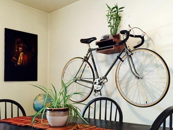 Крепление для велосипеда на стену.