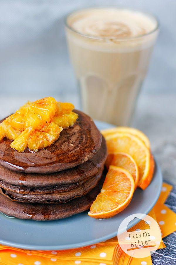Czekoladowe pancakes z pomarańczą.