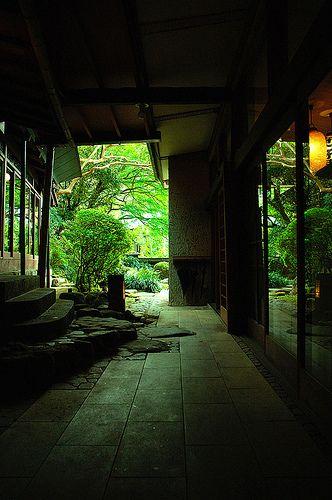 Open air path on the grounds of Tofuya Ryokan, Yoshina Ons… | Flickr