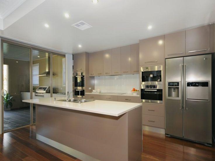 Classic island kitchen design using floorboards - Kitchen Photo 735190