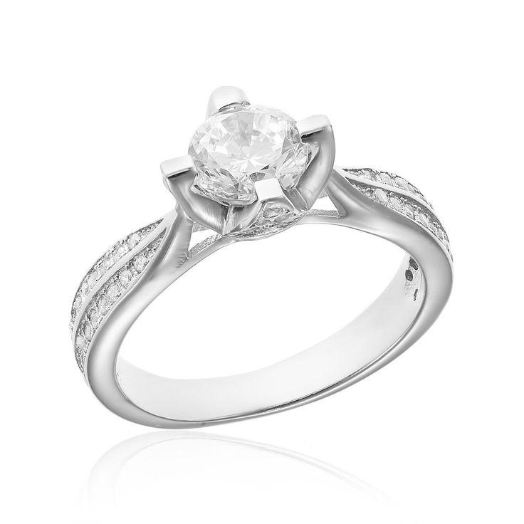 Inel de logodna argint Solitar cu cristale laterale Cod TRSR053 Check more at https://www.corelle.ro/produse/bijuterii/inele-argint/inele-de-logodna-argint/inel-de-logodna-argint-solitar-cu-cristale-laterale-cod-trsr053/