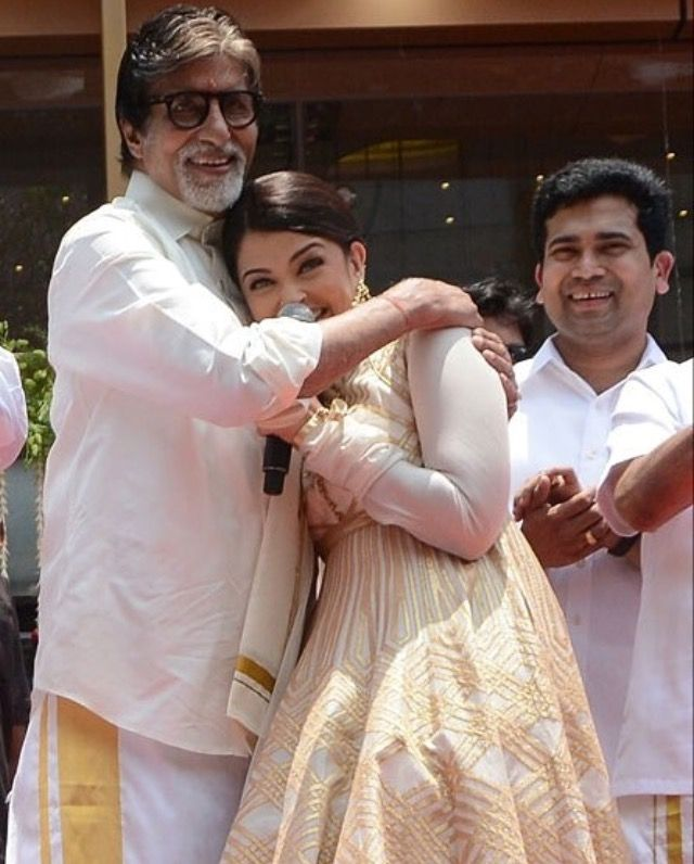 Aishwarya With Her Father In Law Amitabh Bachchan Movie Stars Bollywood Actors