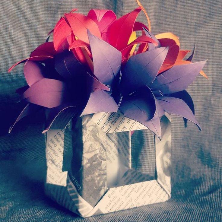 Lily flower & modular cube 12 units (Tomoko Fuse)