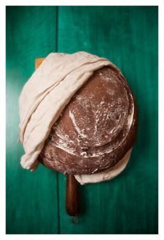PAN DE CHOCOLATE DE MENTA Y CORTEZA DE NARANJA.  Chocolate with mint and Orange peel Bread
