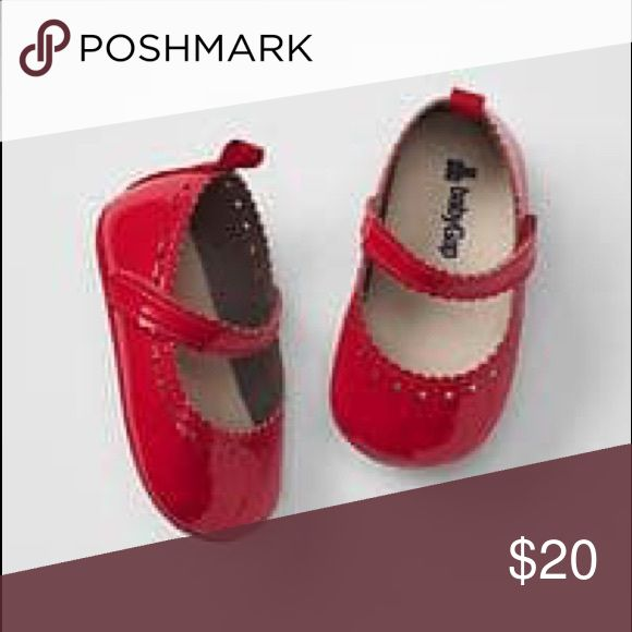 Gap Red Scalloped Ballet Flats EUC - 6-12 months Darling Gap red scalloped ballet flats. Excellent  like- new condition. Worn once for a photo shoot. Perfect red for the holidays. Smoke free and pet free home. Usually excluded from Gap sales. GAP Shoes Baby & Walker