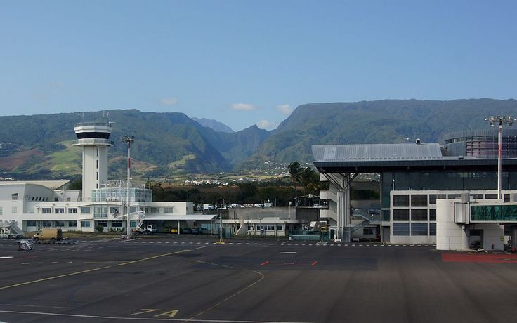 ローラン・ギャロス空港 ◆レユニオン - Wikipedia https://ja.wikipedia.org/wiki/%E3%83%AC%E3%83%A6%E3%83%8B%E3%82%AA%E3%83%B3 #Reunion