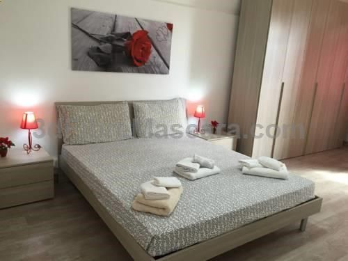 Vatican Trionfale Apartment Roma Situated 1.1 km from Vatican Museums and 1.6 km from St. Peters Basilica, Vatican Trionfale Apartment offers accommodation in Rome. The air-conditioned unit is 1.7 km from The Vatican. Towels and bed linen are offered in this apartment.