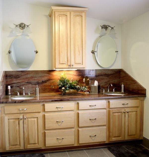 A Stunning Slab Of Granite Was The Inspiration For The Décor In This  Updated Master Bathroom