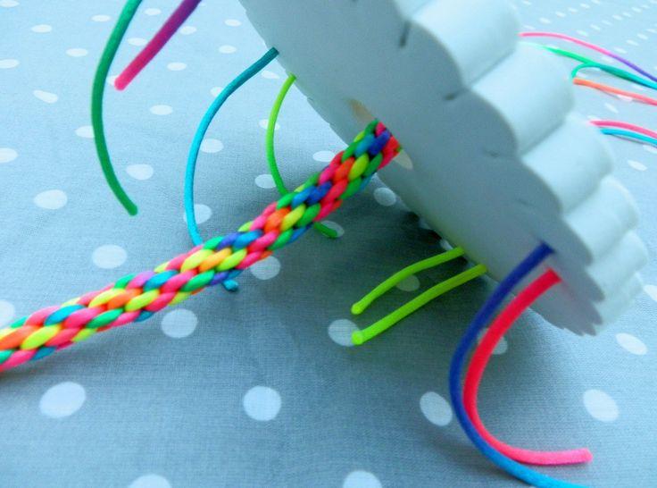 Como hacer pulseras redondas de 8 hilos