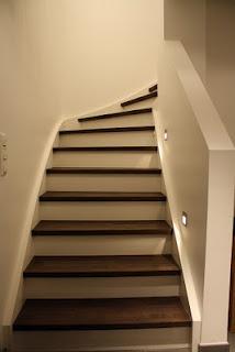 Ideal Sesshaft werden f r Treppe ausgepackt Die Treppenstufen sind aus gebeiztem Buchenholz Passt brigens perfekt zu unserem Parkett im Obergeschoss