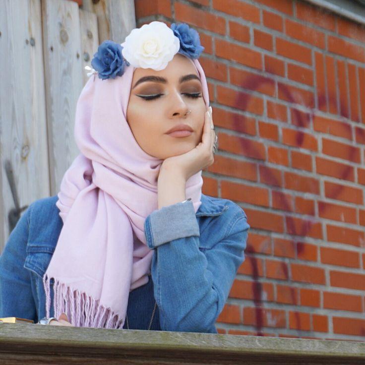 Flower crowns are the cutest things ever #anastasiabrows  #anastasiabeverlyhills #flowers #blue #mua #motd #mac #makeup #makeupfun #makeupart #makeuplove #makeupaddict #makeupartist #makeuplook #makeuplover #hudabeautylashes #hudabeauty #kiel #berlin #hijab #hijabi #hijabista #hijablove #hijabstyle #hijabers #beauty #fashion #fashionlover #fashionblogger #fashions