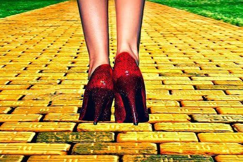 estrada+de+tijolos+amarelos.jpg                              …