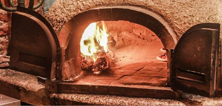 En #ElSagrario #Pizzeria puedes escoger 4 bases distintas: napolitana, pesto, suero costeño y salsa barbecue ¡Bocatto di cardinale!