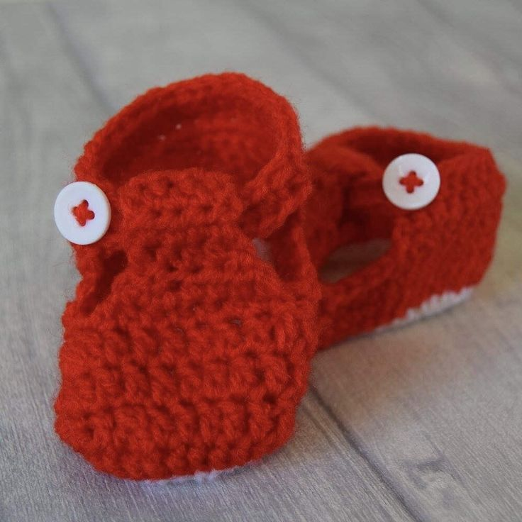 Handmade Baby Booties – Crochet kids shoes – Newborn present - baby shower gift - kids bootees by mamaandfred on Etsy https://www.etsy.com/uk/listing/507466014/handmade-baby-booties-crochet-kids-shoes