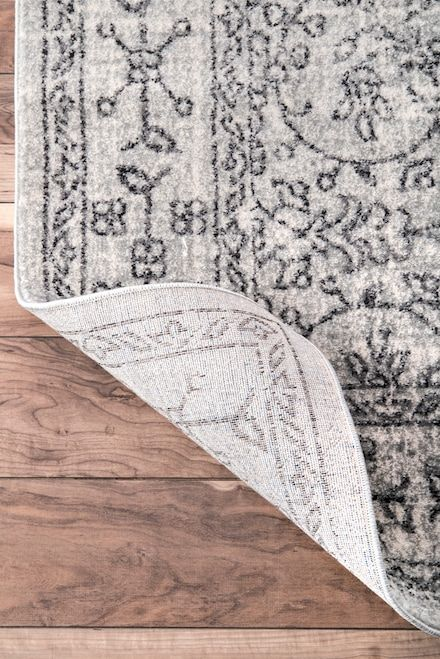 Bring A Traditional Touch To Your Décor With This Beautiful And Elegant Machine Woven 100 Percent Polypropylene Rug The Design Is Delicate Dainty