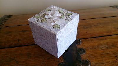 Papierowo zakręcona    : Ślubny Exploding Box