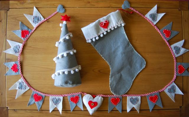 Acción de Gracias y Sorteo. ThanksgivingAcción de Gracias y Sorteo. Thanksgiving Felt Christmas sock, tree and garland. Guirnalda, calcetín y árbol de Navidad de fieltro.