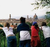 Go up to Piazzale Michelangelo to admire together the city