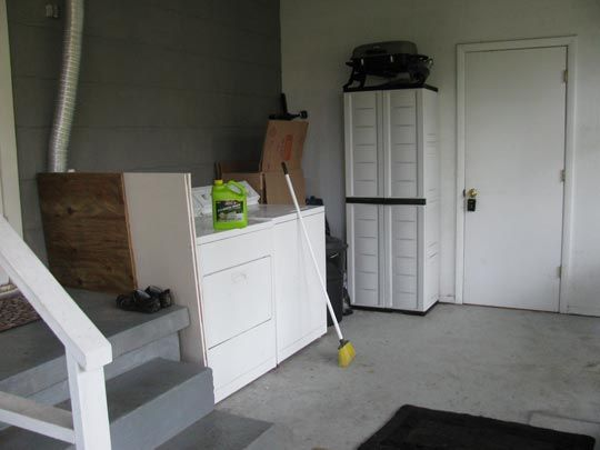 tips on building a cabinet to hide your washer and dryer home sweet home washer dryer. Black Bedroom Furniture Sets. Home Design Ideas