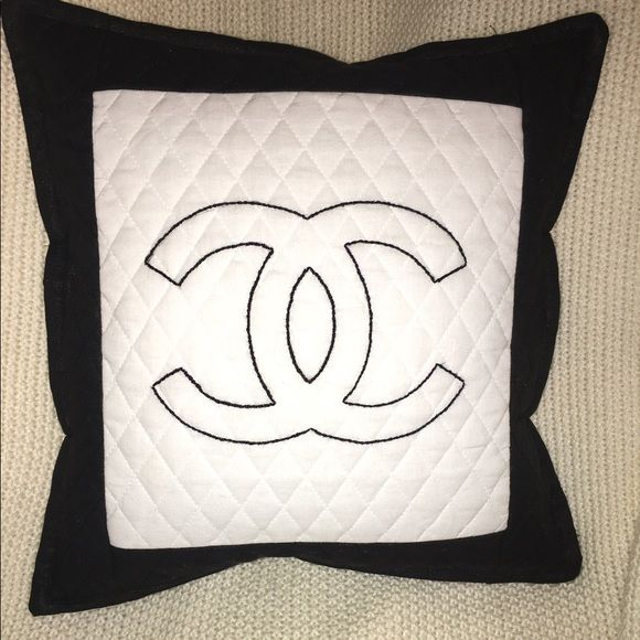 97 best images about Ideas for the House on Pinterest Quilted throws, Diamond logo and Ornaments