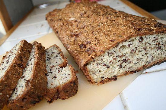 'Det perfekte brød' med mandelmel, skyr og hytteost.