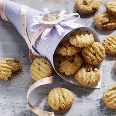 Kokoscookies Dejlig julesmåkage med fyld af gojibær og korender
