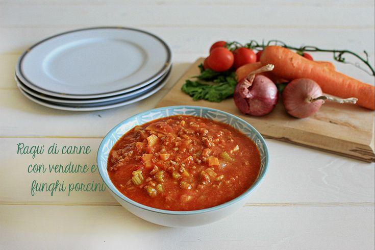 Ragù+di+carne+con+verdure+e+funghi+porcini