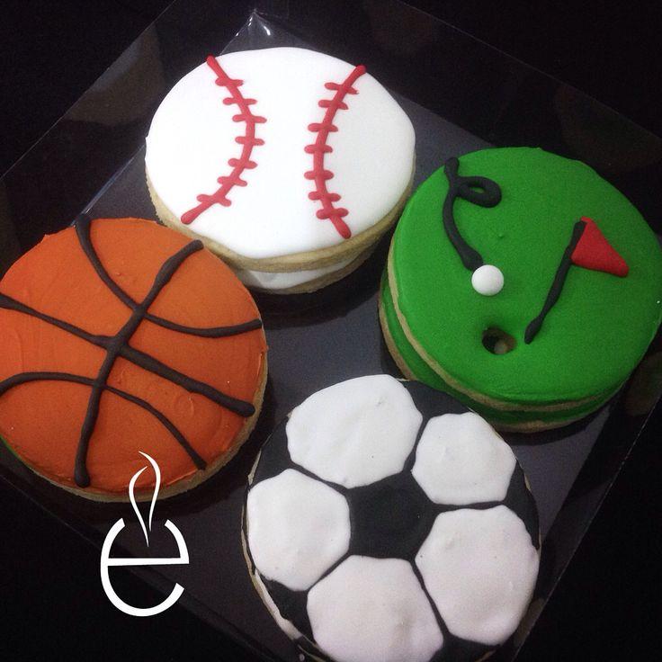 Galletas de Figuras decoradas con Royal Icing - Galletas Deportivas - Basketball, Softball, Golf, Soccer, Football #LosEspejos  Sports Sugar Cookies with royal icing
