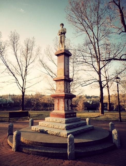 Riverside Veterans' Park Cenotaph