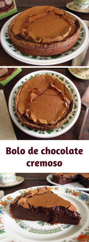 Bolo de chocolate cremoso   Food From Portugal. Esta receita de bolo de chocolate é divinal! Se é amante de chocolate vai deliciar-se com este bolo de chocolate cremoso. Se vai dar uma festa este bolo é perfeito para a ocasião! #bolo #chocolate #receita
