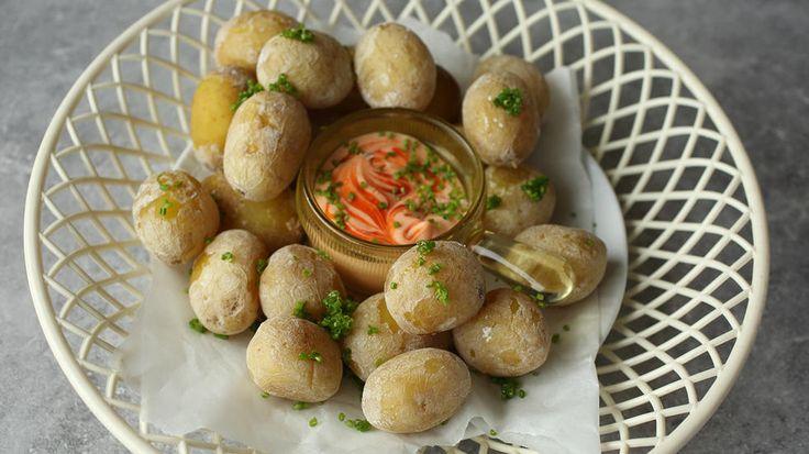Småpoteter er nesten obligatorisk på tapasbordet, og smaker enda bedre med chilimajones til.