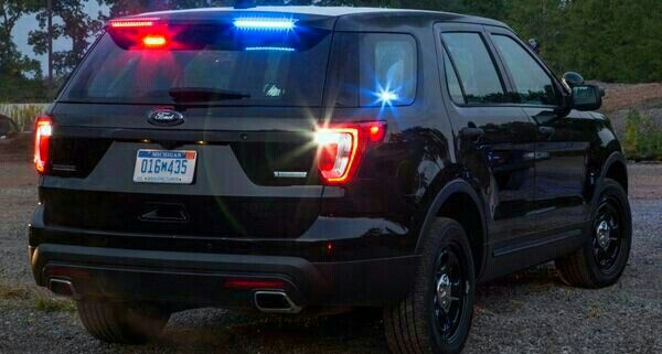 Pin By Fmb Ghost On Policecars Light In 2020 Ford Police Police Cars Undercover Police Cars