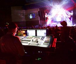 Toby Keith on tour with the Midas PRO X