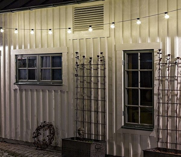 The clear outdoor christmas light set on display. Subtle and conventional; go for the caravan chic look.