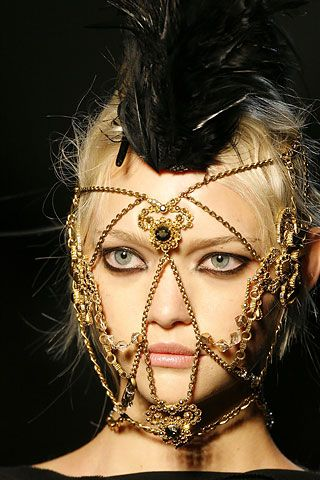 Masked Models: Richard Burbridge Channels Face-Covered Killers For Livraison…