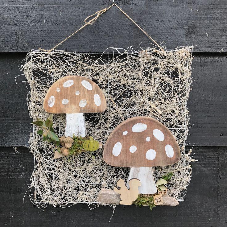 Herfst tafereel met houten paddenstoelen te verkrijgen op CreAnoeska.nl