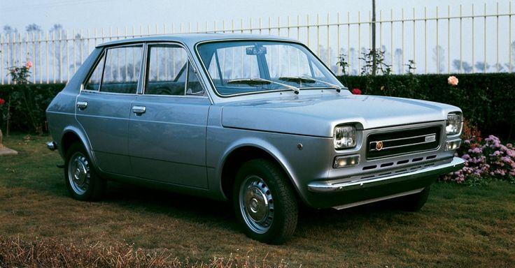 Francis Lombardi  Fiat 127 Lucciola del 1972 fu l'ultima della fortunata serie di berline a quattro porte derivate dalle utilitarie torinesi.