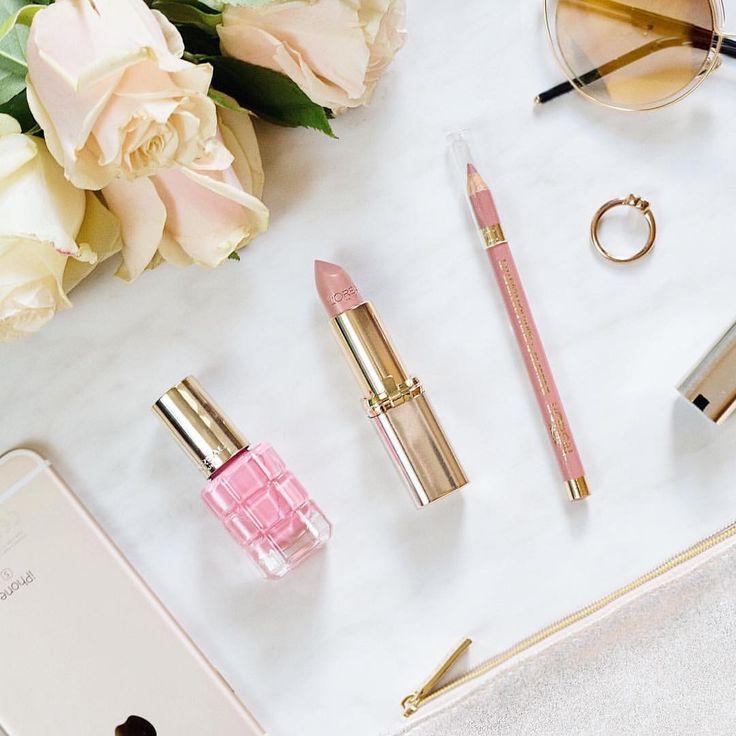 """145 kedvelés, 2 hozzászólás – @viovisions Instagram-bejegyzésének megtekintése: """"I was inspired by L'Oréal's wonderful Color Riche products to create my very first flatlay photo…"""""""