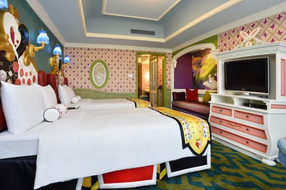Toyko Disney Hotel with Beauty \ The Beast rooms!! Travel Bug - ausgefallenen mobel allan lake skulpturell