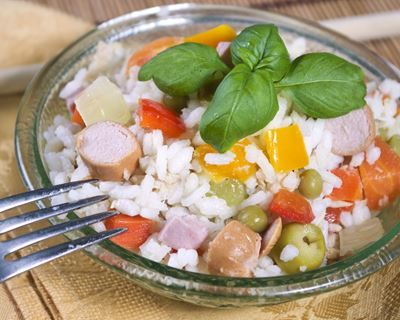 Salade de riz aux saucisses Knacki©