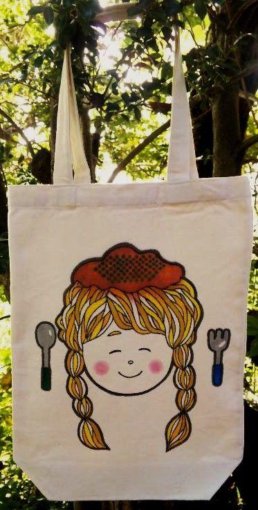 ■髪の毛がパスタになった!?ミートスパゲティ少女を描きました。■ピンクとブルーのドット柄リボンプラバンブローチも付いています。バッグに付けても良いですし、別で... ハンドメイド、手作り、手仕事品の通販・販売・購入ならCreema。