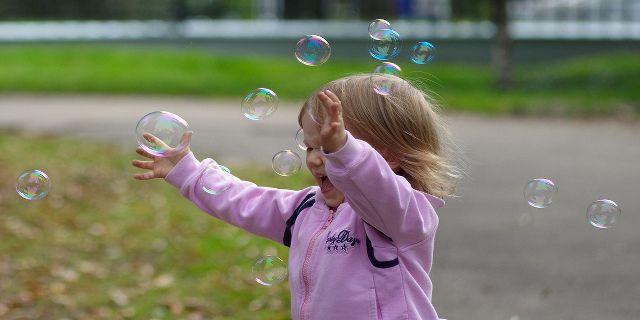 Formando niños alegres, creando adultos felices - http://www.academiarubicon.es/ninos-alegres-adultos-felices/