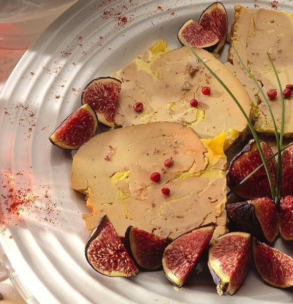 Foie gras aux figues. http://www.lemarchedapicius.fr/fr/recherche?orderby=position=desc_query=foie+gras #EatGirl #FoodJungle #FoodReporter #FoodTrotter