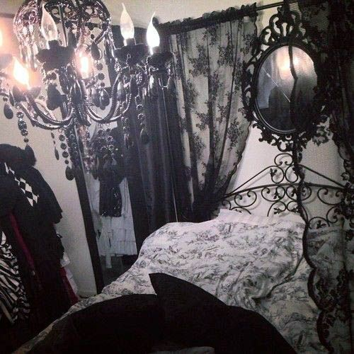 Stunning Low Budget Romantic Gothic Bedroom Decor Just On Smart Homefi Design Gothic Room Gothic Bedroom Victorian Bedroom